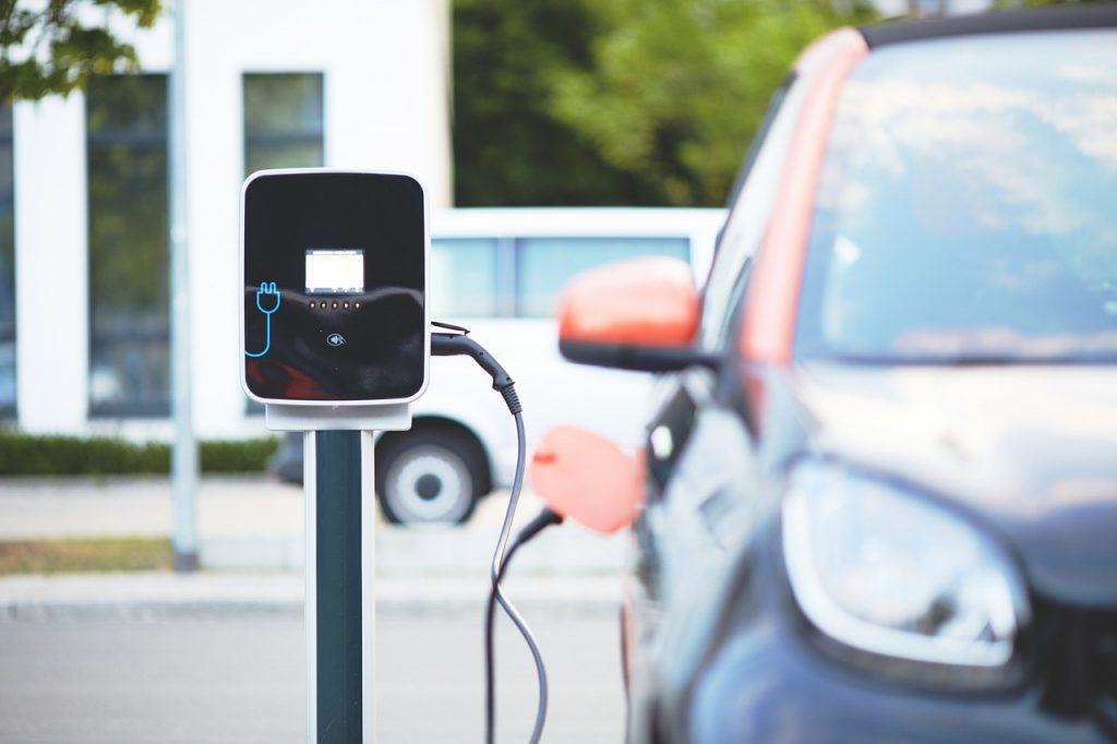 Borne de recharge automobile